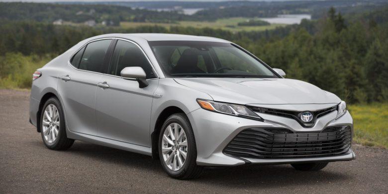 Devant de la Toyota Camry hybride 2018