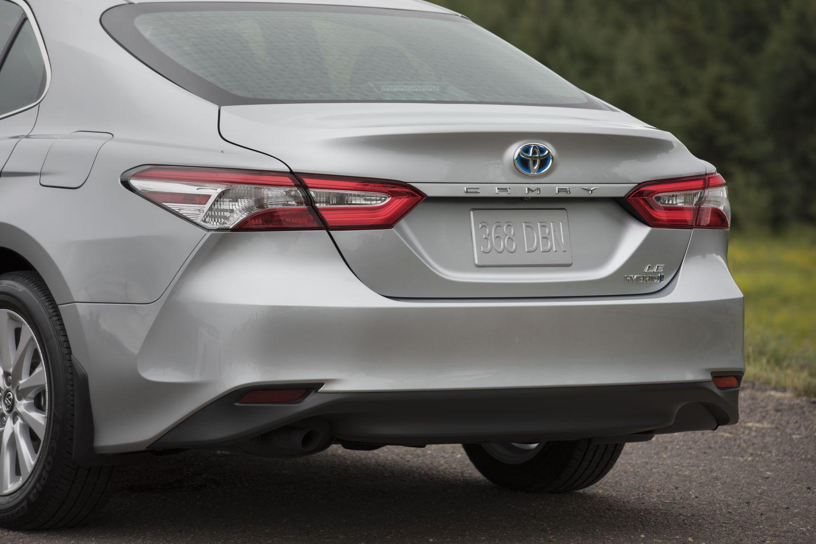 Arrière rapproché de la Toyota Camry Hybride 2018