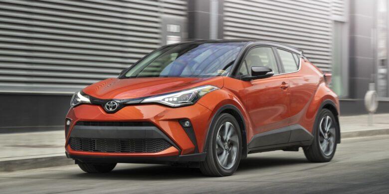 Devant du Toyota C-HR 2020 rouge