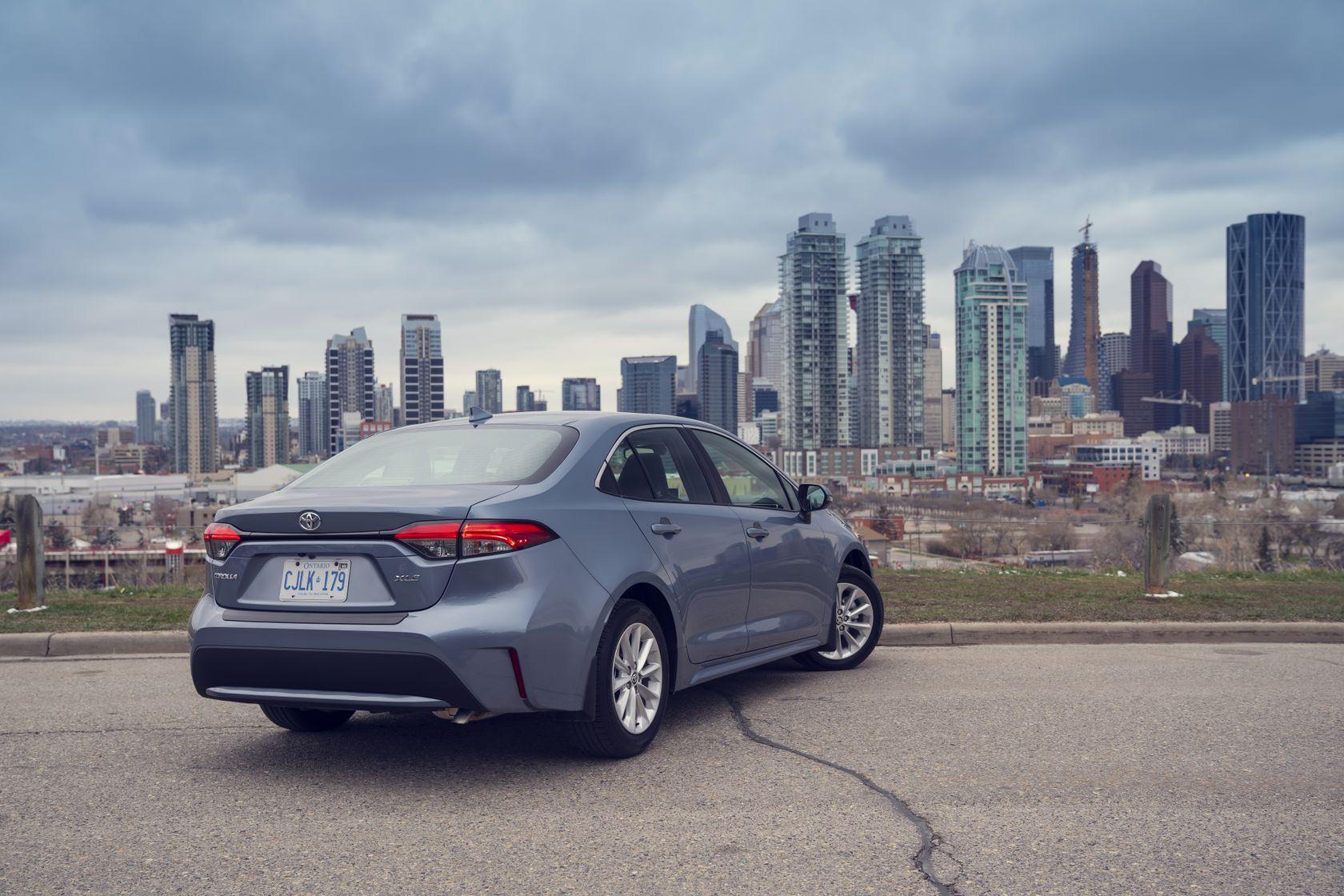 Arrière du Toyota Corolla 2020 gris