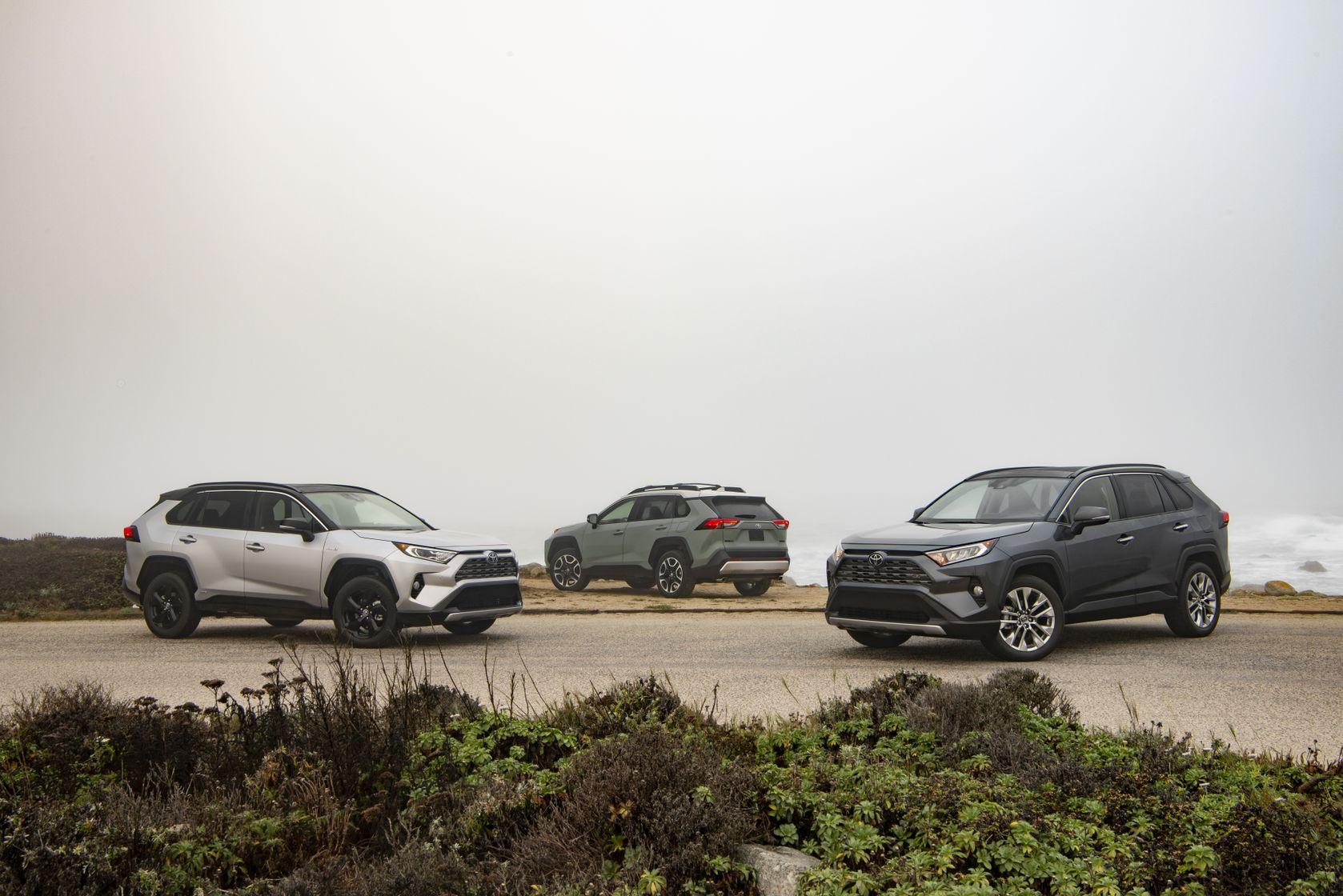 Groupe de 3 Toyota RAV4 2019