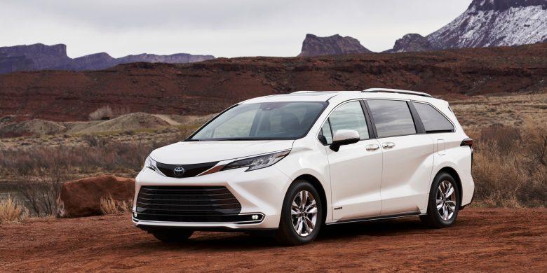 Toyota Sienna 2021 blanche