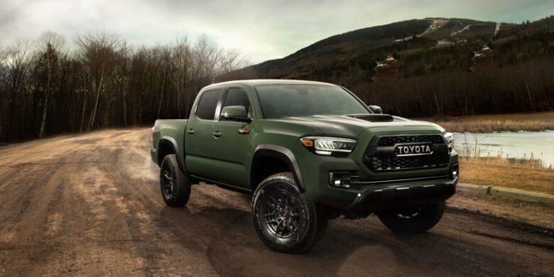 Devant du Toyota Tacoma 2020 vert olive