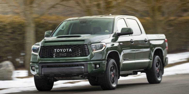Devant du Toyota Tundra 2020 vert