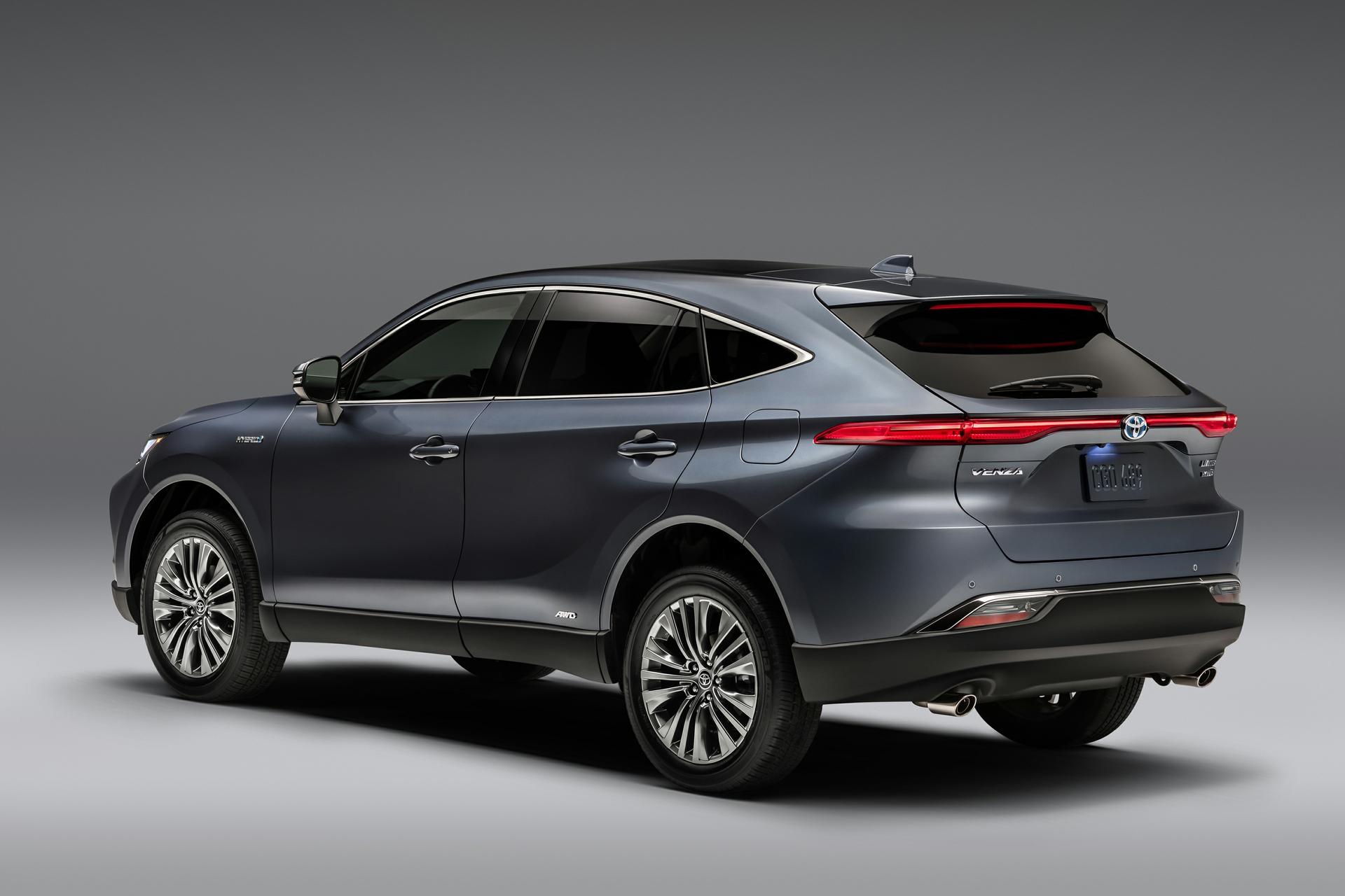 Arrière du Toyota Venza 2021 gris