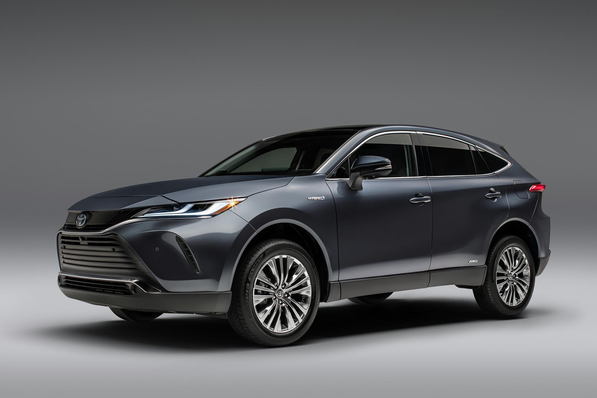 Vue avant du Toyota Venza 2021 gris